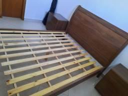 Vende-se cama queen