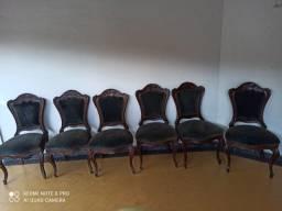 cadeiras coloniais estilo LUÍS XV em madeira nobre , estofado aveludado