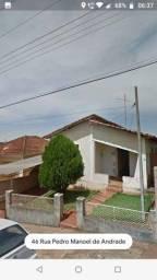 Imóvel, 3 quartos, 1 wc, 1 garagem - a dois quarteirões da Avenida Tiradentes