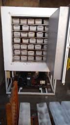 Máquina de gelo em barra