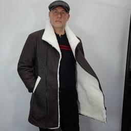 Casaco e sobretudo em lã feito sob medida