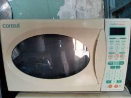 Microondas e fornos elétricos tenho 110 e 220 volts