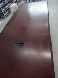 Mesa de escritório em madeira maciça