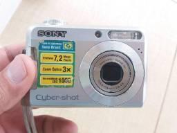 Câmera. Maquina fotográfica Sony 7.2 mega pixels