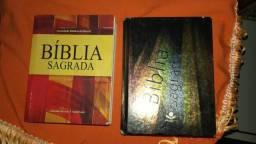 Duas bíblias por 15,00
