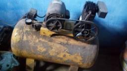 Compressor de Ar com caneca de sapisco