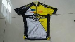 3 camisas de ciclismo Tam.P à 80 reais