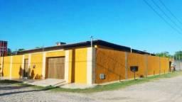 CA1730 casa plana de esquina, Eusébio, 3 quartos, 8 vagas de garagem, terreno com 476m²
