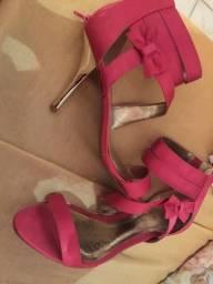 Sandália alta semi-novo