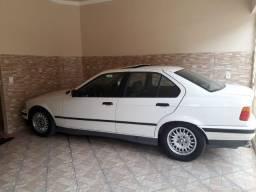 BMW 325i - Vendo ou Troco por veículo 7 Lugares