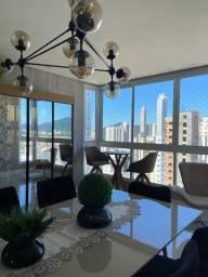 Apartamento mobiliado e decorado, com 4 dormitórios no centro de Balneário Camboriú