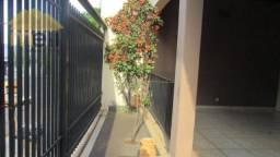Casa com 3 dormitórios para alugar, 192 m² por R$ 1.700,00/mês - Jardim das Rosas - Presid