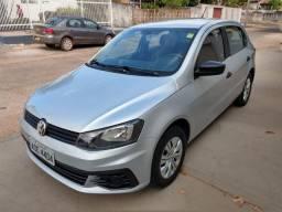 Volkswagen Novo Gol - Trend Line - 2016/2017 - Cor Prata - 4 portas