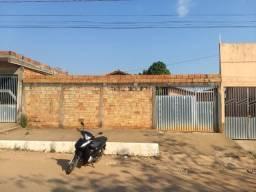 Vendo uma casa quitada na av f prox do colégio Terezinha de Jesus cidade jardim