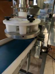 Maquina De Salgados Bralyx 3.0 - 3000 Salgadinhos E Docinhos