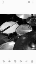 Preciso de um bateria(a) q saiba tocat e ler partitura