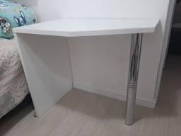Mesa para quarto ou escritório desapego