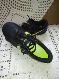 Chuteira Nike nova n-43