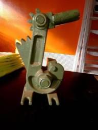 Maquina de cortar vergalhão Nro 4 - CID