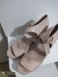 Vendo sandália Melissa Original Rose usada apenas uma vez