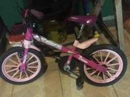 Duas bicicletas Aro 14 e aro 12
