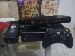 Xbox 360 com Kinect. ATENÇÃO Leia o anúncio.