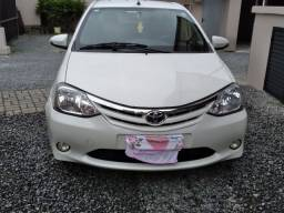 Toyota etyos sedan 2016
