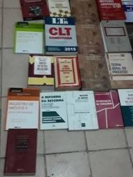 Livros de Direito..