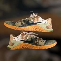 Tênis Nike Metcom 4