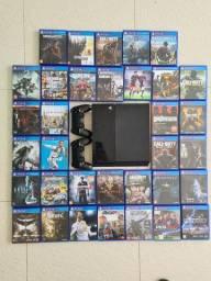 Vendo PS4 com 2 controles e 34 jogos originais