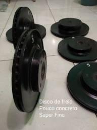 Anilhas caseiras com Disco de freio mais ferro e pouco concreto super finas e Halteres