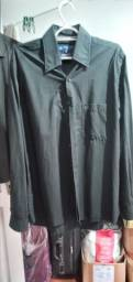 Vende se 2 blusa social masculina