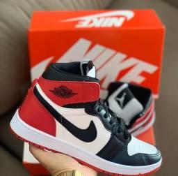 Tênis Nike Air Jordan 1 - 200,00