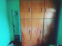 Vendo guarda-roupa madeira maciça 590