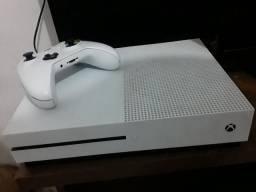 Xbox one s   de 1 tera por 1500