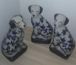 Cachorros em porcelana
