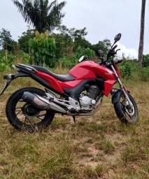 Moto CB Twister 250