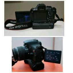 Canon T3i com Grip