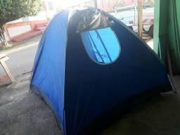 Barraca Grande para acampamentos cabe umas quatro pessoas e outra pra duas pessoas