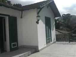 Casa - 3 quartos e 2 apartamentos - terreno - Bairro Centro - Petrópolis,RJ