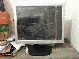Vendo Monitores 15.6 pol 80 reais