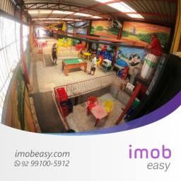 Ponto Comercial com Residência na Silves, 840m², 2 pisos, salão amplo
