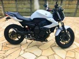 Yamaha - XJ6 N Branca<br>- 2012
