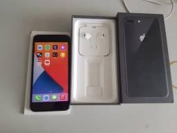 iPhone 8 Plus Apple com 64GB