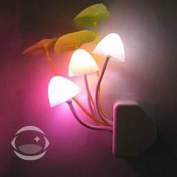 Luminária de Tomada Cogumelos Noturnos