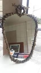 Espelho em moldura de cobre (antiguidade)