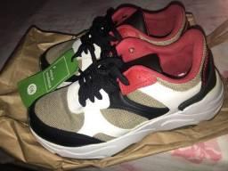 Sapato na embalagem C&a