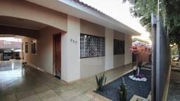 Casa 1 suíte + 2 quartos edícula c/churrasqueira e piscina em Maringá