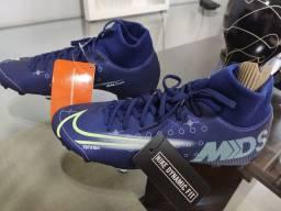 Chuteira Nike mercurial 37