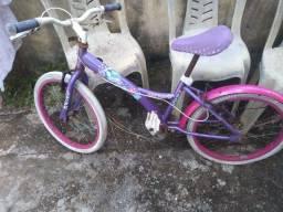 Vendo bicicleta feminina infantil
